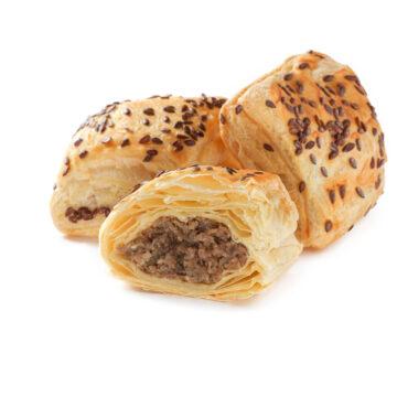 Пиріжки з м'ясом із листкового тіста можна замовити онлайн з доставкою додому або офісу в усіх містах, де представлені фірмові магазини компанії Еліка